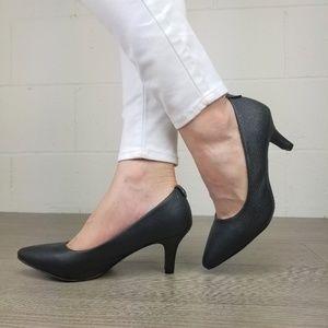 bbe27da6e53ac Vintage shoes .'s Closet (@vintage_shoes) | Poshmark